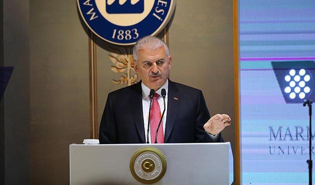 Başbakan Yıldırım'dan Yunanistan'a 'yeni bayrak provokasyonu' uyarısı