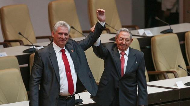 Castro'dan halefi Diaz-Canel'e tam destek