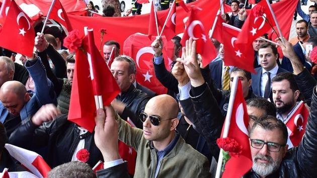 Tiflis'te ASALA kurbanı Türk diplomatlar için tören