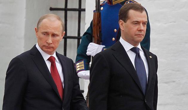 Putin'in yeni dönemi sonrası hükümet istifa etti