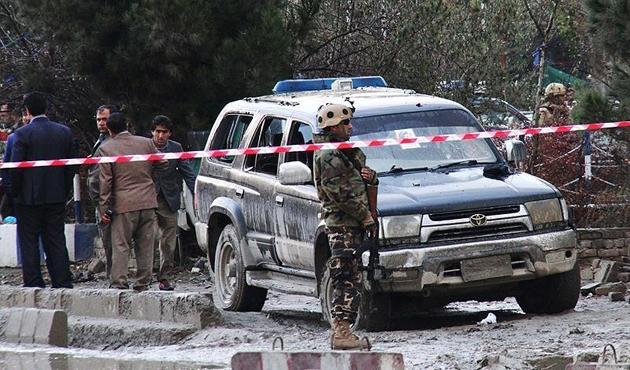 Afganistan'da polis konvoyuna saldırı: 5 ölü