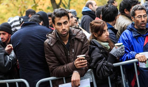 10 bin kişi Almanya'ya iltica başvurusu yaptı