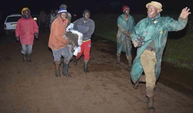 Kenya'da aşırı yağışlar barajı patlattı: 27 ölü