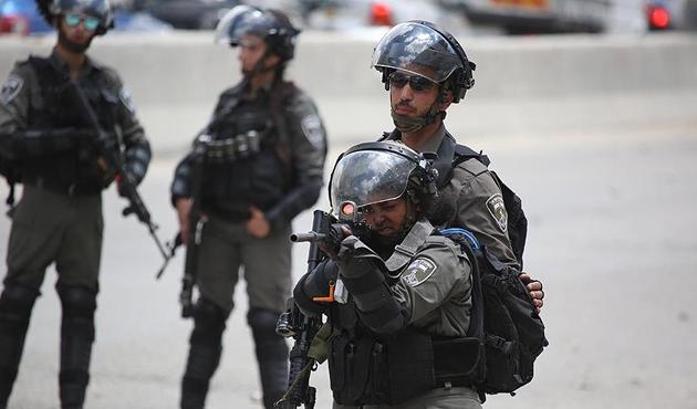 İşgal gücü askerlerinden Filistin mülteci kampına baskın