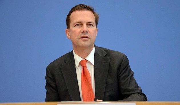 Alman hükümeti Gazze'deki katliamı kınayamadı