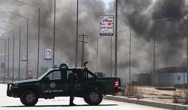 Afganistan'da Taliban, Farah merkezine saldırı başlattı