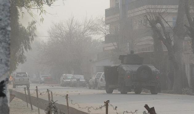 Afganistan'da Taliban askeri karakola saldırdı: 12 ölü