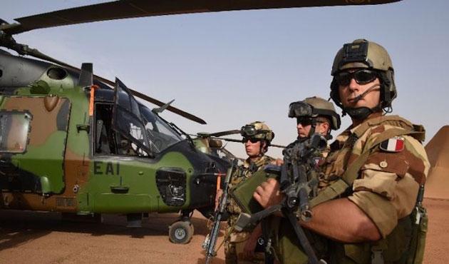 Esed rejimi Fransız askerlerini sorguladı