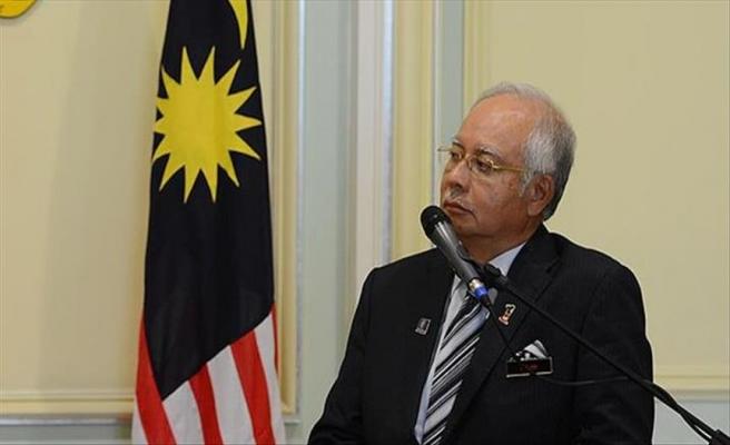 Malezya'da eski Başbakan Rezak'ın evi arandı