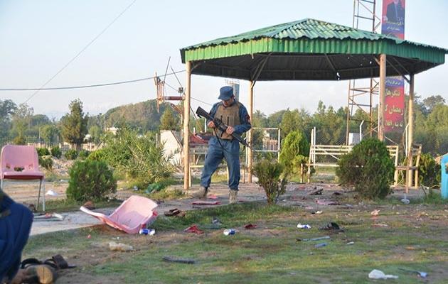 Afganistan'da kriket stadyumunda bombalar patladı: 8 ölü