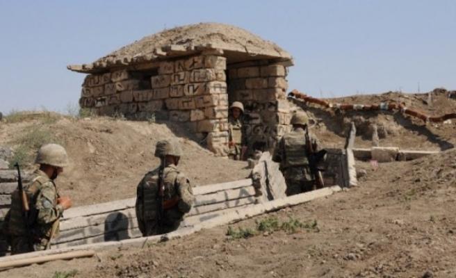 Ermenistan askeri bir Azeri askeri öldürdü