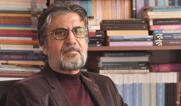 Vefat yıldönümünde 'Dostlarının Kaleminden Akif Emre'