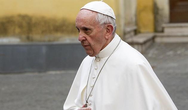 Papa: İslam'ın terörle anılması saçmalık