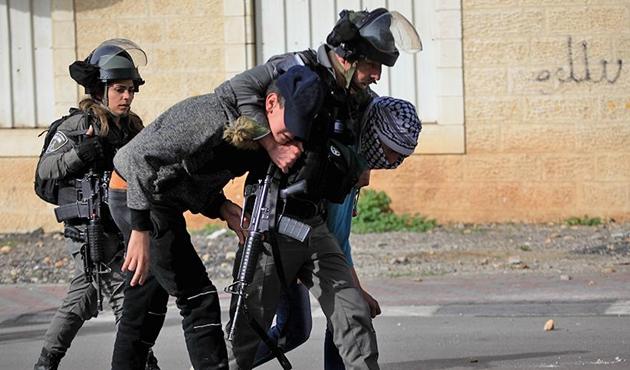 İşgal güçlerinden 17 Filistinliye gözaltı