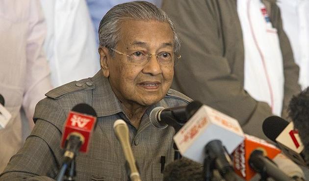 Malezya Başbakanı Mahathir'den 'kayıp uçak' açıklaması