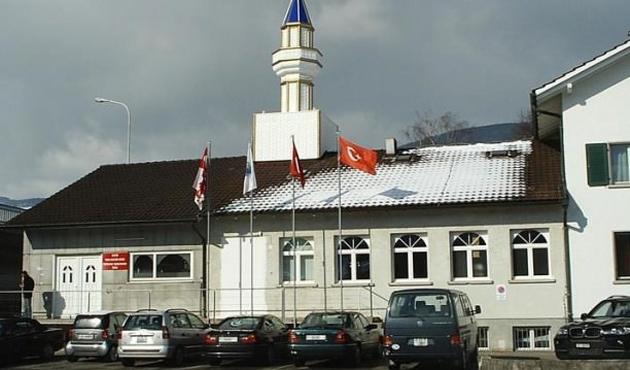 İsviçre'de Türk camilere finansman yasağıyla ilgili tasarıya ret