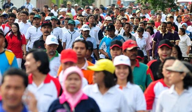 Malezya halkı ülke borcu için bir günde 1,76 milyon topladı