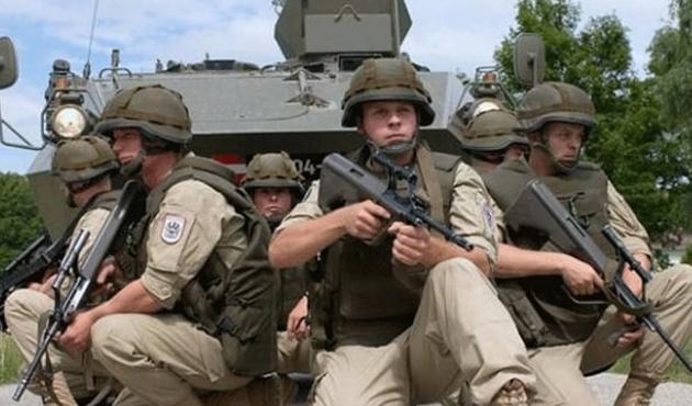 Çekya Afganistan ve Irak'taki asker sayısını artırıyor