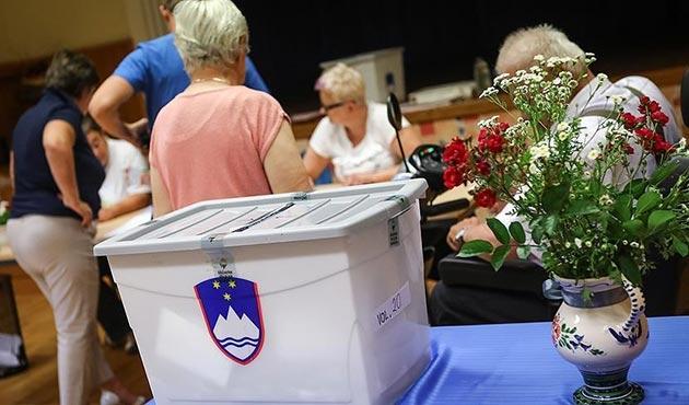 Slovenya yeni hükümeti belirlemek için sandık başında