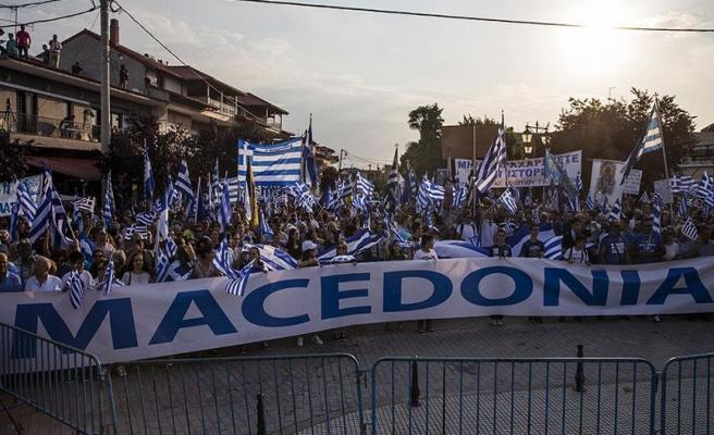 Yunanistan ile Makedonya arasındaki sorun protesto edildi