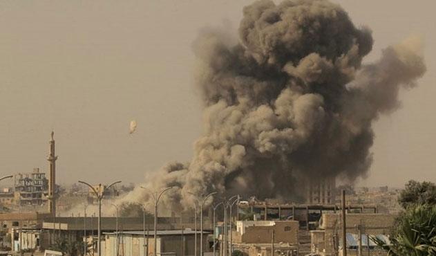 DEAŞ Suriye'de bir kasabayı geri aldı