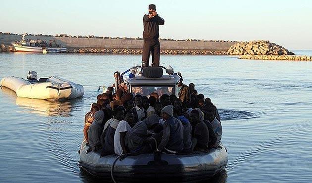 Libya açıklarında 152 göçmen son anda kurtarıldı