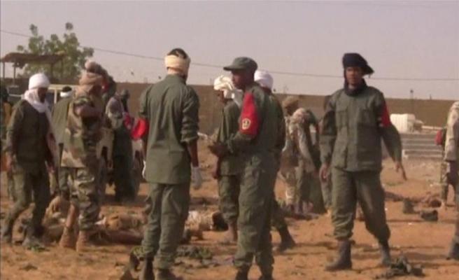 Mali'de askeri noktalara saldırı: 16 ölü