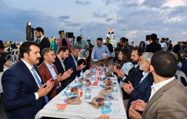 Üsküdar'da 100 bin kişilik iftar