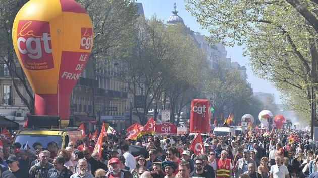 Fransa'da grevler yaz aylarında da devam edecek