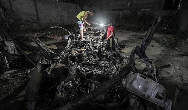 İsrail uçakları Gazze'de 'sivil aracı' hedef aldı