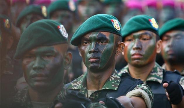 Malezya Suudi Arabistan'daki askerlerini çekebilir