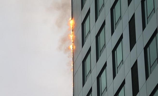32 katlı gökdelende korkutan yangın