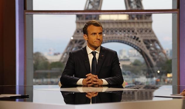 Fransa'da öfkeli işçiler Macron'un gazını kesti