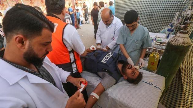 İsrail askerleri AA foto muhabirini gerçek mermi ile yaraladı