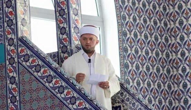 Arnavut imam Cumhurbaşkanı Erdoğan için dua istedi