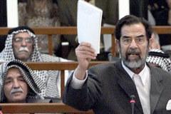 Saddam'ın Mahkemesine Devam Ediliyor