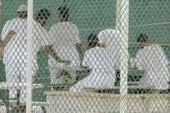 Rumsfeld: Guantanamo Kapatılamaz