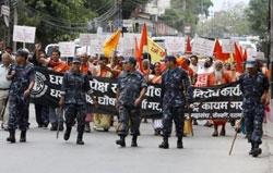 Nepal'de Maoist grup büyük grev başlattı