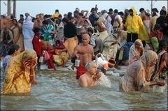 Hindular günahlarından arınıyor
