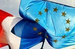 Fransa'da, AB bayrağı polemiği