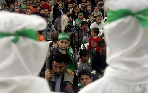 Hamas'tan Abbas'a: İsrail'le görüşmeleri kes