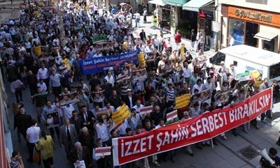 İHH'lı İzzet Şahin'e İstanbul'dan destek-FOTO