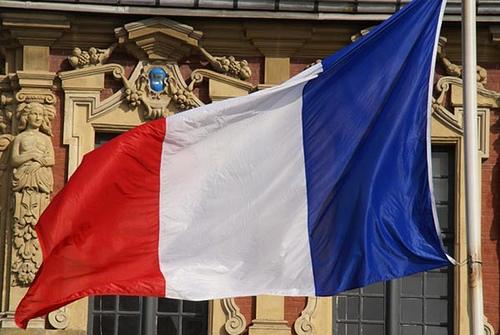 Fransız kabinesi peçe yasağını onayladı