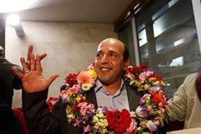 Şah rejiminin Başbakanını öldüren kişi İran'a döndü