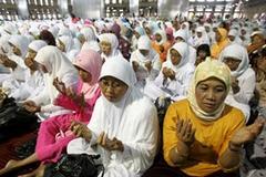 Endonezya'ya hizmetçi uyarısı