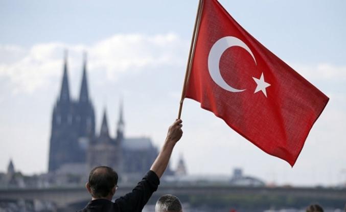 Algı Gerçeği Sollarken Dış Politika ve Kamu Diplomasisi