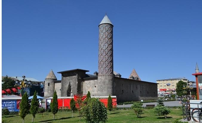 Ecdad Selçuklu'nun Anadolu'ya hediyesi 10 medrese
