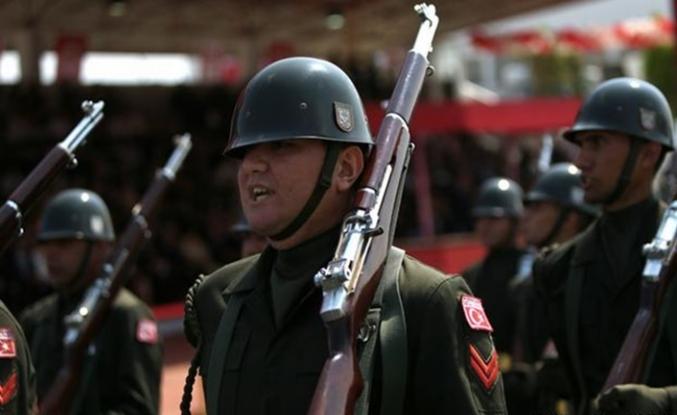 Yunanistan iki Türk askerini gözaltına aldı