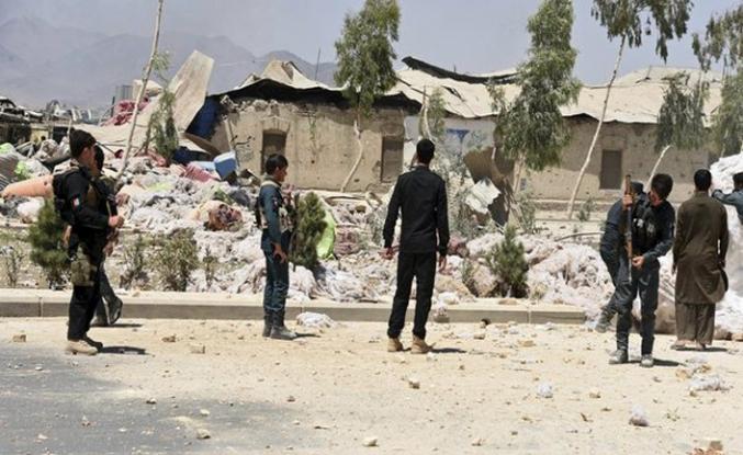 """Afganistan'da """"elitler"""" yarıştı, Taliban kazandı"""