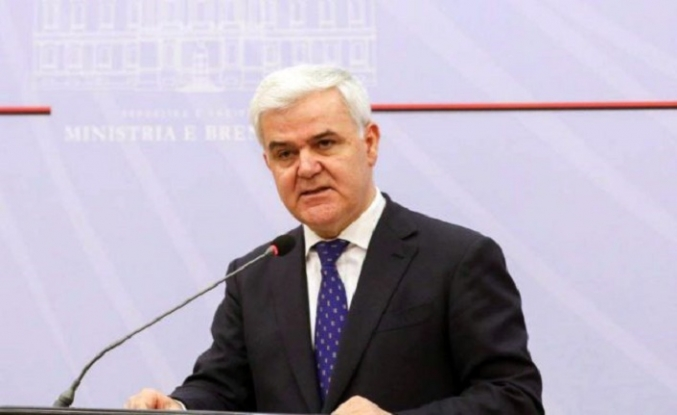 Arnavutluk İçişleri Bakanı Xhafaj istifa etti